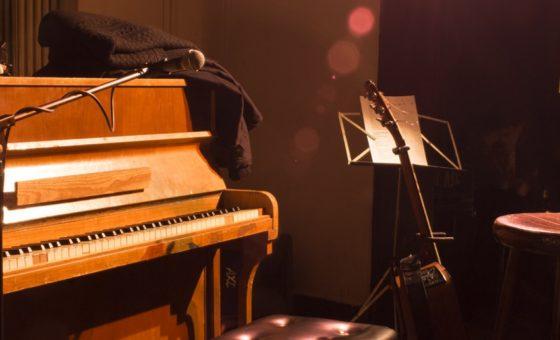 Thursday Sounds Bühnenatmosphäre im TIK